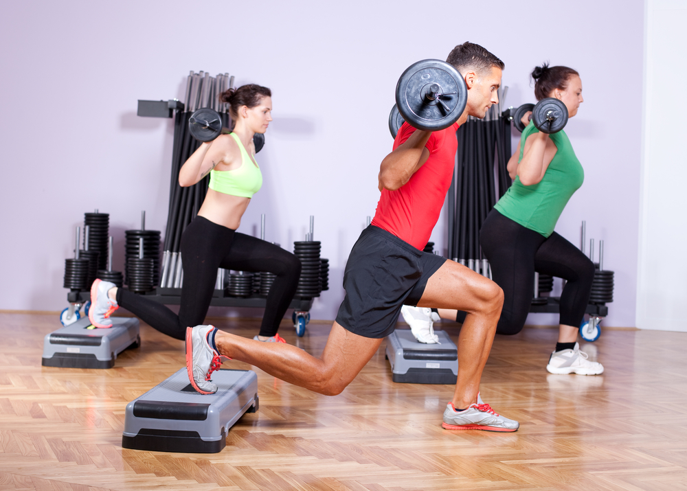 runners_doing_lunges